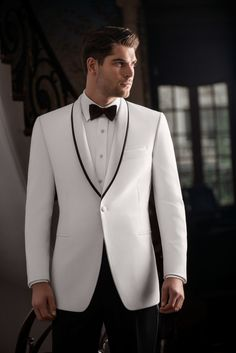 The White 'Waverly' Tuxedo by Ike Behar is a slim fit formal option for any formal affair. The white dinner jacket has been a formal staple since the 1930′s, and has changed very little in that time.