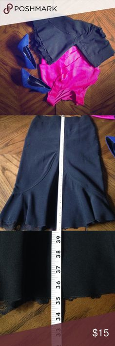 Skirt Like new. Please contact me in the comments prior to making an offer. I will lower the price for discounted shipping. Skirts Midi