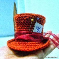Mini Mad Hatter - Free Amigurumi Patterns