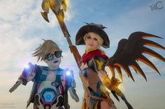 U.V. Tracer and Witch Mercy cosplays (Overwatch)
