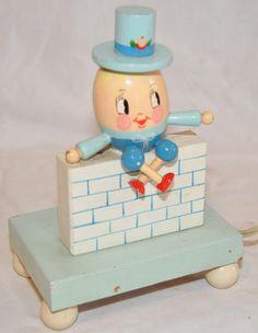 Vintage Nursery Plastics Humpty Dumpty Child's Night Light Hand-Painted Wood egg