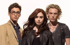 The mortal Instruments city of Bones NEW PROMOTIONAL PHOTO (SIMON, CLARY AND JACE)