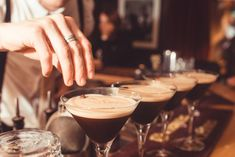 Best Places to Drink in Queenstown | Simply Perfect Weddings - Queenstown Wedding Planners Queenstown Activities, Best Buffet, Lake Wakatipu, Red Bar, Best Golf Courses, Pre And Post, Rooftop Bar, Wedding Planners, Post Wedding