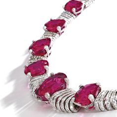 18 Karat White Gold, Rubellite and Diamond Necklace, Michele della Valle. photo Sotheby's The articulated graduated necklace set. Red Jewelry, High Jewelry, Modern Jewelry, Diamond Jewelry, Vintage Jewelry, Tourmaline Jewelry, Pink Tourmaline, Ruby Necklace, Necklace Set
