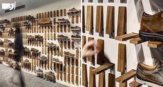 ایده های خلاقانه و جذاب  برای قفسه بندی  دیواره های فروشگاه کفش: شما میتوانید  به جای استفاده از قفسه بندی معمول و مرسوم از سیستم متحرک چوبی استفاده نمایید که با پایین آوردن هر قطعه چوبی امکان ایجاد یک طبقه فراهم شود.با این ایده  فروشگاه شما دارای نمای متحرک و قابل تغییر است . این عناصر متحرک در پارتیشن های داخلی فروشگاه نیز بکار میروند  که این مساله سبب میشود این پارتیشن ها با پایین آمدن قطعات چوبی و یا بالا بودن آنهادو نمای متفاوت را ایجاد نمایند . #طراحي داخلي#معماران الف#دكوراسيون…
