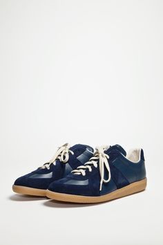 74 best Style images on Pinterest   Man fashion, Slippers and ... f79687a6572