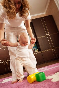 La rémunération des assistantes maternelles (salaire horaire, indemnités d'entretien et de nourriture...) doit respecter certains montants minimum. Voici un point sur les droits de l'assistante maternelle et les obligations des parents en...