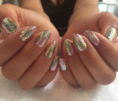 Mixed all the Leaf Glitters from @vetro_usa for Cindy ✨ #cindazenails #vetroleaf #heynicenails (at Hey, Nice Nails)