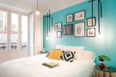 Casa colorida, decoração colorida, apartamento colorido, luz natural, parede azul.