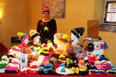 Bunte Mützenvielfalt  von www.herbys-trendartikel.com Partys, Bunt, Laundry, Organization, Home Decor, Head Bands, Scarves, Handmade, Getting Organized