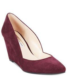 e1b61222dab New I.N.C Womens Zarie Dark Plum Suede Pointed Toe Classic Wedges Heels  Size 6  INC