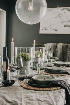 Svenngården Tablescapes, Table Settings, Tapestry, Table Decorations, Black And White, Living Room, Interior Design, Places, Future