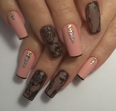 French Lingerie Ballet Shoe tips...I love these nails!