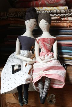 the elegant rag doll sewing pattern and a free and easy doll skirt pattern – ann wood handmade Doll Patterns Free, Doll Sewing Patterns, Sewing Dolls, Doll Clothes Patterns, Dress Patterns, Fabric Dolls, Paper Dolls, Cloth Art Dolls, Diy Rag Dolls