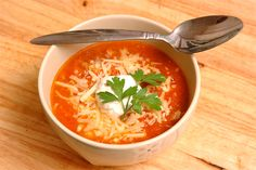 http://www.heyladyblog.com/2011/08/cheesey-tomato-soup/ @heyladyblogger Do you need some #cheesey #tomato #soup action?