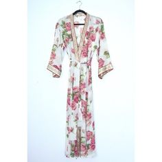 Vintage Oscar de la Renta Silky Floral Kimono Robe Super stylish vintage Oscar de la Renta Silky 90s floral print kimono robe. Can be worn as lingerie or as a kimono jacket, looks so chic over a simple tank & jeans! In mint condition, and dry cleaned just prior to listing.  + Size Small  + 100% Polyester  + Dry Clean Only  + Questions? Measurements? Please ask! Oscar de la Renta Intimates & Sleepwear Robes