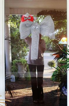 Deco Mesh Alabama Elephant, I want this...What a great tree topper for a BAMA Christmas!