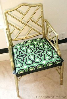 An old Bamboo Chair gets a makeover. Come see this Beast go to Beauty with a few easy DIY tricks. Furniture Makeover, Diy Furniture, Fuzzy Chair, Swivel Rocker Recliner Chair, Hacks Diy, Cool Chairs, Painted Furniture, Accent Chairs, Easy Diy