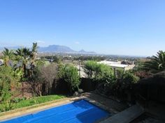 Houses & Flats for Sale in Parow - Search Gumtree South Africa for your dream home in Parow today! Gumtree South Africa, Table Mountain, Granny Flat, Flats For Sale, Open Plan Living, Cape Town, Be Perfect, Living Area, Flow
