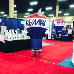 You'll never guess who I just saw⁉️ #remaxr4