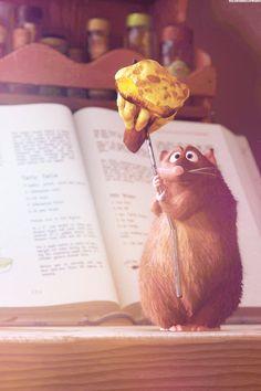 Ratatouille - One of my all time favorite Disney movies :) Walt Disney, Disney Pixar, Disney Animation, Disney And Dreamworks, Disney Films, Disney Magic, Disney Art, Animation Film, Disney Canvas