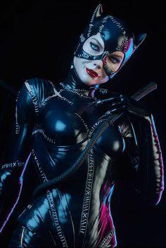 toyhaven: Pre-order 1992 Batman Returns Film Michelle Pfeiffer Catwoman Premium Format Figure