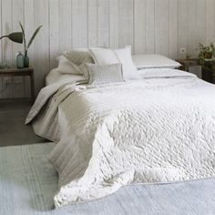 Designers Guild Chalk and Linen Quilt