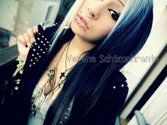 Black eyeliner blue hair verena schizophrenia