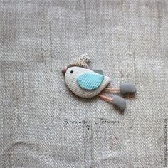 Купить Птичка зима (2). Брошь - белый, серый, бежевый, птичка, зима, брошь птичка