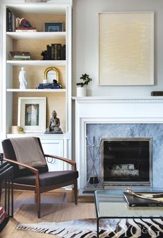 Decorator Joanna Jones Revamps a Historic Apartment in Manhattan's Storied 'Black and Whites' - New York Cottages & Gardens - April 2017 - New York, NY