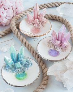 Design-Your-Own: Trinket Dish image 0 Diy Resin Art, Resin Crafts, Crystal Decor, Diy Crystal Crafts, Diy Crafts To Sell, Resin Jewelry, Clay Art, Design Your Own, Coaster