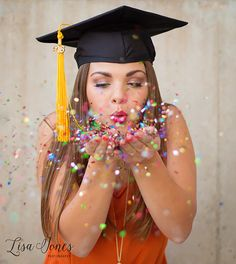 University of Texas| UT confetti senior picture | UT graduation pictures