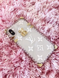 Loving this look... louis vuitton phone case louisvuitton