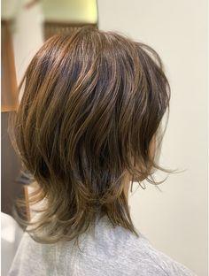 Medium Short Hair, Short Hair Cuts For Women, Medium Hair Styles, Short Hair Styles, Hair Inspo, Hair Inspiration, Cute Shoulder Length Haircuts, Honey Brown Hair, Corte Y Color