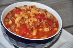 Old Standby Hamburger Soup (Un bon vieux macaroni à la viande ).......I already make something similar to this...comfort food!! and quick and easy.