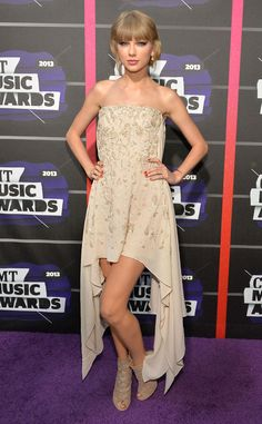 Taylor Swift in Elie Saab at the 2013 CMT Music Awards