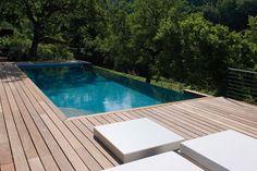 Une piscine à débordement sur devis