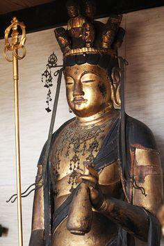 長谷本寺(奈良県大和高田市)十一面観音菩薩立像(藤原時代)一木造 像高156cm