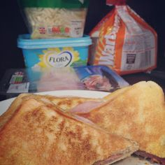 Studying Medicine: Simple Cheese and Ham Toastie!