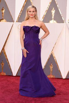 Reese Witherspoon wears Oscar de la Renta on the Oscars 2016 Red Carpet