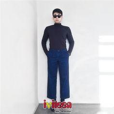 """Những kiểu trang phục """"thử ngay kẻo lỡ"""" cho phái mạnh mùa Thu - Đông - http://www.iviteen.com/nhung-kieu-trang-phuc-thu-ngay-keo-lo-cho-phai-manh-mua-thu-dong/ Áo cổ lọ, khăn choàng, vest cách điệu… sẽ là nhữnggợi ý tuyệt vời cho các chàng trai trong tiết trời trở lạnh.  #iviteen #newgenearation #ivietteen #toivietteen  Kênh Blog - Mạng xã hội giải trí"""
