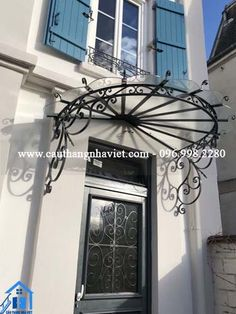 Balcony Railing Design, Front Porch Design, Main Door Design, Shed Design, Gate Design, Colonial House Exteriors, Neoclassical Design, Metal Wall Planters, Decoration Entree