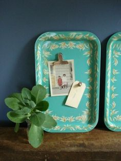 Cute idea for vintage metal trays