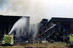 Boquete en el edificio - El FBI saca a la luz fotos inéditas del ataque al Pentágono - 20minutos.es