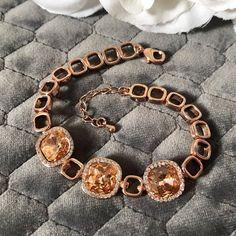 "VINTAGE AMARA on Instagram: ""Click to shop The Bonnie Bracelet🧡 - - - - #rosegold #rosegoldjewelry #rosegoldjewellery #luxurylifestyle #vintagejewelry #vintagejewellery…"" The Bonnie, Rose Gold Jewelry, Vintage Jewellery, Luxury Lifestyle, Bracelets, Stuff To Buy, Etsy, Shopping, Instagram"