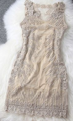 I'm so into lace and embroidery lately, maybe it's the upcoming wedding. This is so pretty!