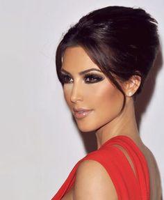 31 Ideas makeup beauty kim kardashian for 2019 Beauty Make-up, Beauty Hacks, Hair Beauty, Wedding Makeup Tips, Wedding Makeup Looks, Make Up Looks, Red Dress Makeup, Hair Makeup, Makeup Lips