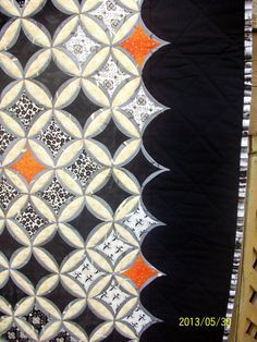 A little bit of Kaos: Cathedral Window Quilt Cathedral Window Patchwork, Cathedral Window Quilts, Cathedral Windows, Boy Quilts, Rag Quilt, Block Quilt, Quilting Projects, Quilting Designs, Art Quilting