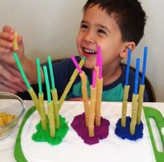 Straws, pasta and playdough 💡age 💡Great activity to improve fine motor skills, colors and counting. You need straws, playdough and… Straw Activities, Fine Motor Activities For Kids, Playdough Activities, Motor Skills Activities, Montessori Activities, Kindergarten Activities, Fine Motor Skills, Learning Activities, Preschool Activities