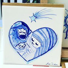 Holly family - Nativity  #tileaddiction #tiles #tilework #patterns #patternmaking #vintage #european #etsy #blue #instazulejo #heritage #heritageyoucanwear #azulejomania  #padrão #moisaico #surface #surfacepattern #surfacedesign #tileaddiction #carreauxdeceramique #cerámica #glaze #tilesofinstagram #tilesofportugal #ceramics #baldosa #etsy #etsyfinds #cerâmica #iliketiles #ilovetiles